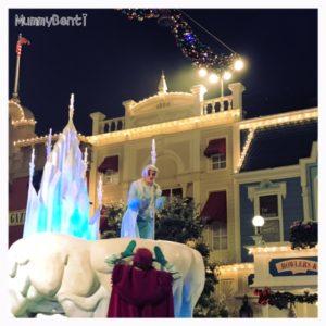 Une bonne journée glacée mais enjouée à EuroDisney Blog MummyBenti Mickey Noël 4